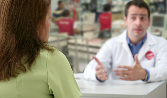 Para tratar shock inflacionario, supermercados instalan psicólogos en las cajas