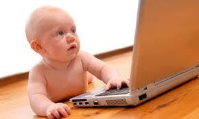 Acepta Scioli la sugerencia de Nación y coordina con Baradel que todos los bebés llevarán USB a partir de 2013.
