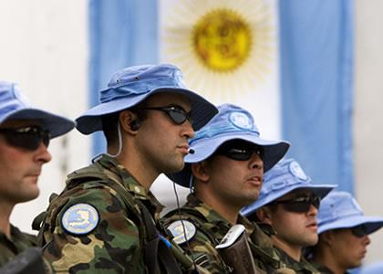 Argentina & Uruguay: Defensa afirma que está todo listo para invadir Uruguay.
