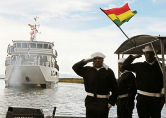 La Fragata Libertad navega hacia Bolivia